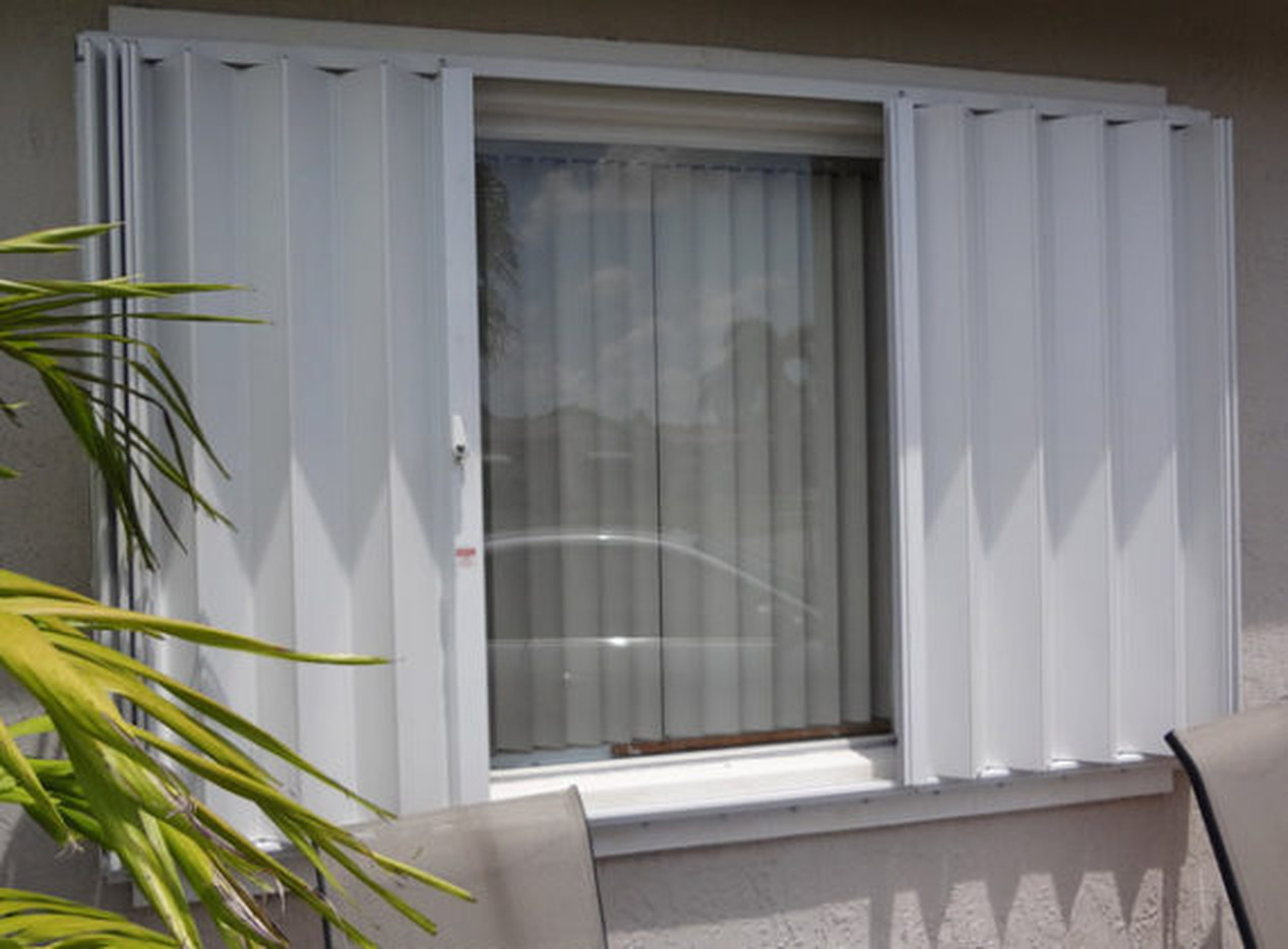 Roll up Accordion Hurricane Shutters