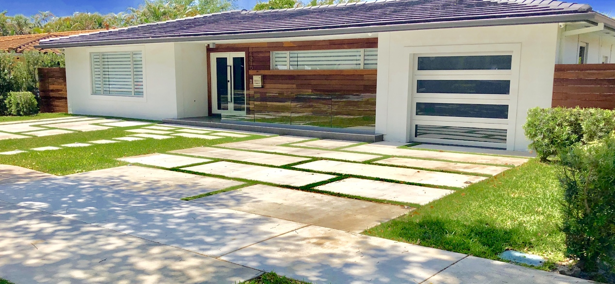 Designer Concrete Slabs, Artificial Turf, Wood & Glass accents