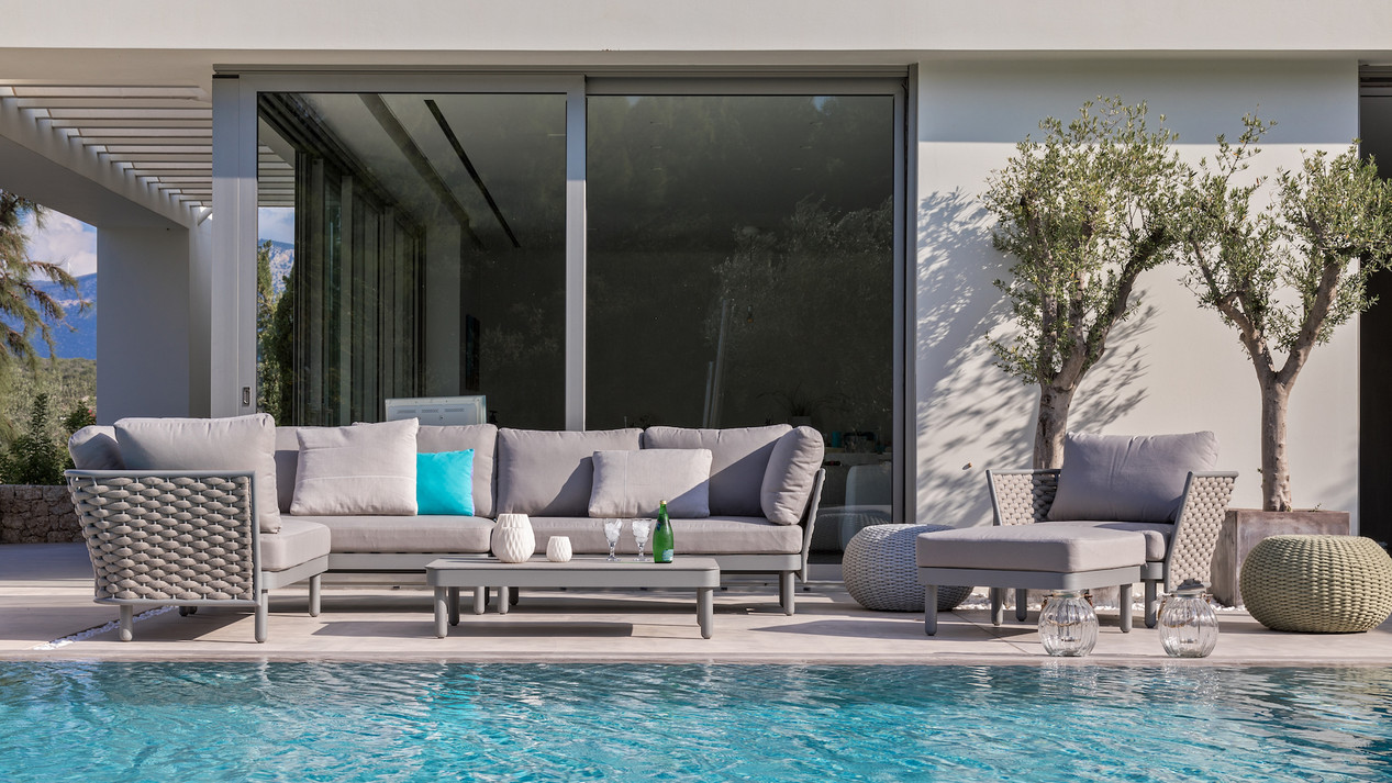 Outdoor Furniture-Residential & Commercial