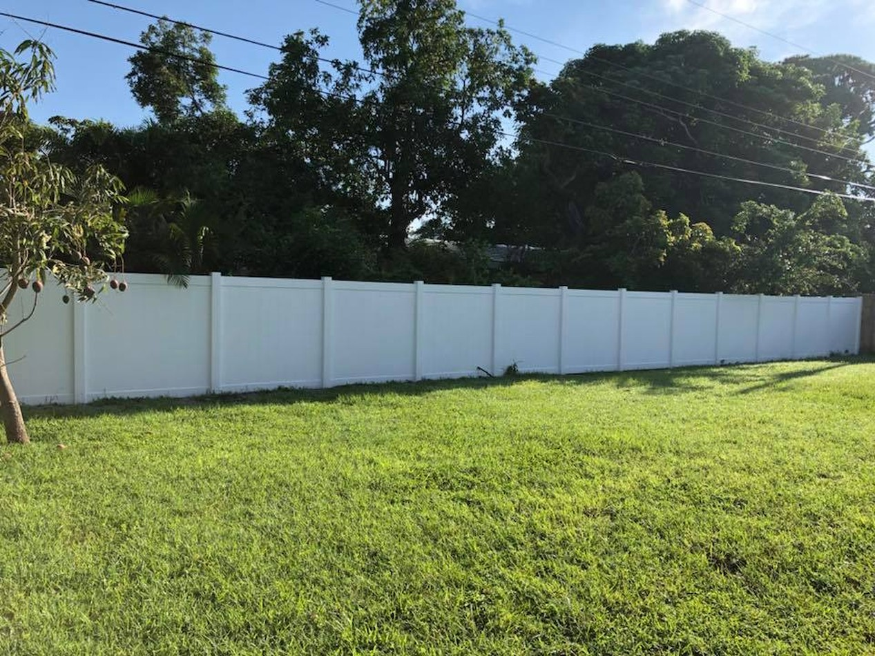 FENCES-PVC PRIVACY