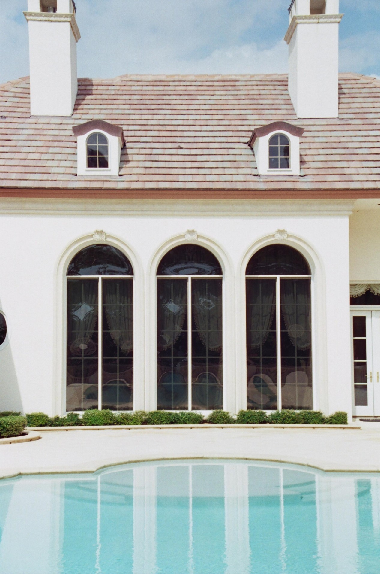 Hurricane Shutters/Impact Windows & Door