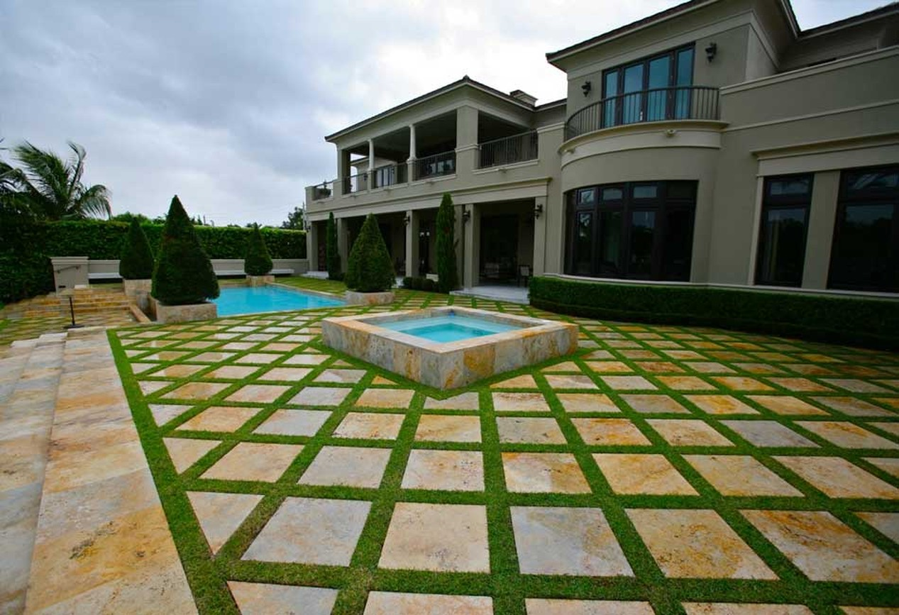 Pool & Patio Landscaping