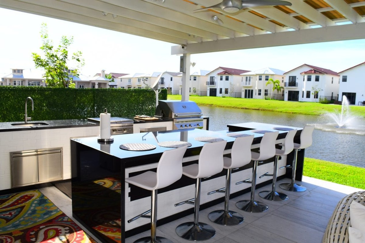 Outdoor Kitchens | Designer Patio
