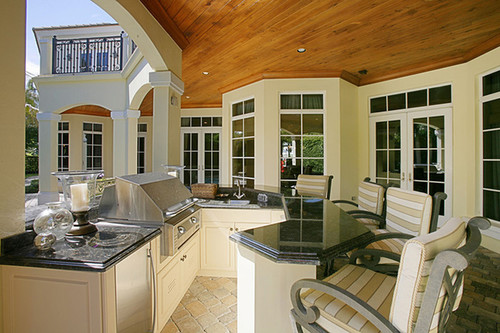 Outdoor Kitchen | Custom Outdoor Kitchen